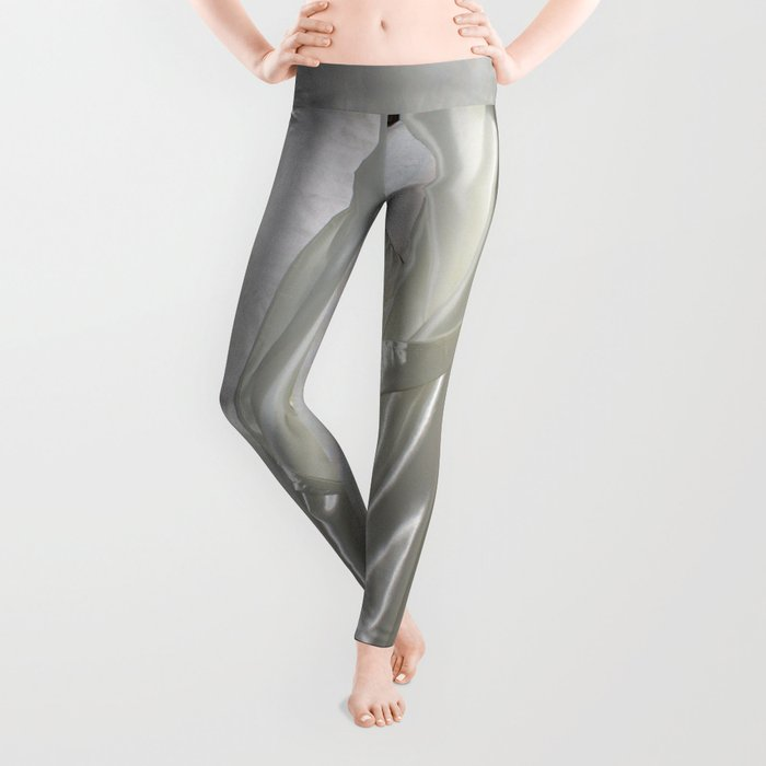 """say no to patriarchy / """"the madonna"""" Leggings"""