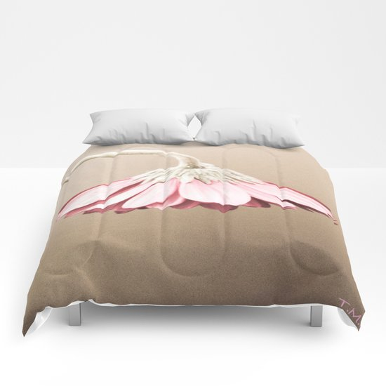 Flower | Flowers | Vintage Dusty Rose | Drooping Flower Comforters
