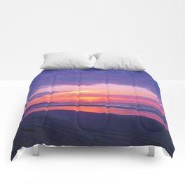 Broken sunset by #Bizzartino Comforters