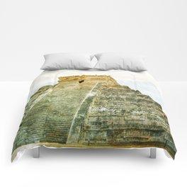 Chichen Itza pyramid Comforters