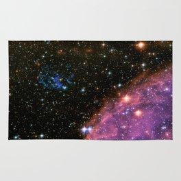Fireworks in Small Magellanic Cloud dwarf galaxy (NASA/ESA/Hubble) Rug