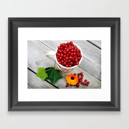 A cup of red currants I Framed Art Print