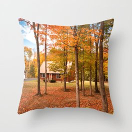 house in vermont Throw Pillow