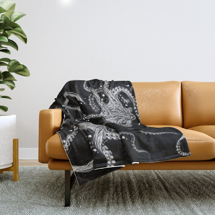 Octopus (black) Throw Blanket