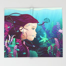 Underwater life Throw Blanket