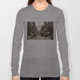 Little Italy Mott Street NYC Photograph (1908) Long Sleeve T-shirt