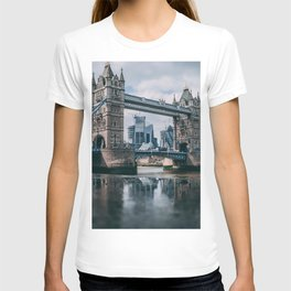London Bridge Tower (Color) T-shirt