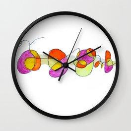 Garabatos naranjas y lilas Wall Clock