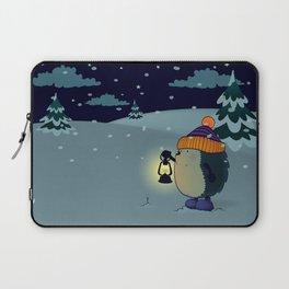 Hedgehog Jan in the winter night Laptop Sleeve