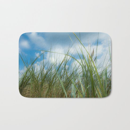 Dreaming in the grass pattern Bath Mat