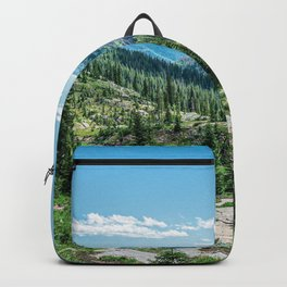 Colorado Wilderness // Why live anywhere else? Amazing Peaceful Scenery with Evergreen Dusted Hills Backpack
