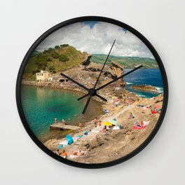 Sunbathing at the islet Wall Clock