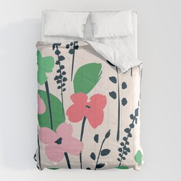 Contemporary Chic Pink Flower Pattern With Trendy Leaves Comforters