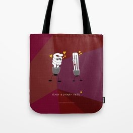 Amor a primer vatio Tote Bag