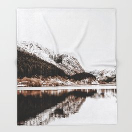 LAKE - OCEAN - BAY - SNOW - MOUNTAINS - HILLS - PHOTOGRAPHY Throw Blanket