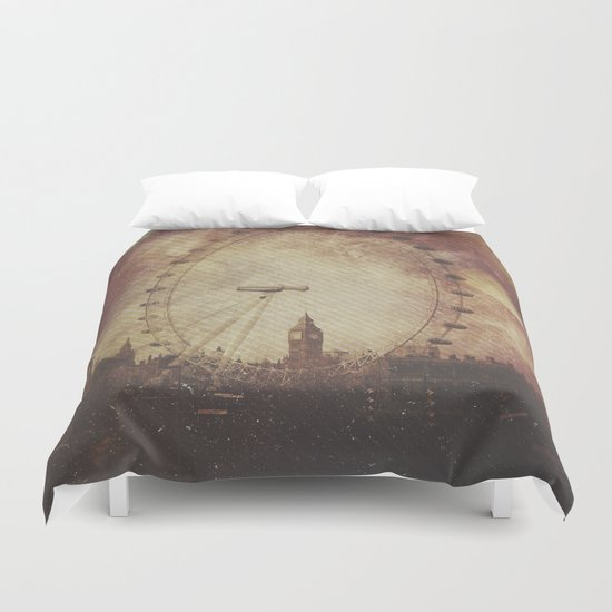 Big Ben in the Eye of London Duvet Cover
