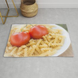 Fusilli pasta with fresh tomato Rug