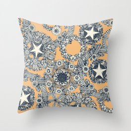 cirque fleur honey Throw Pillow