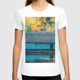 Lake House, Home Sweet Home, Fall Landscape, Lonely Home, Colorful Trees, Autumn Season, Wall Art T-shirt