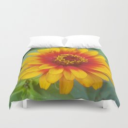 Zinnia on fire Duvet Cover