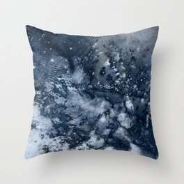 η Propus Throw Pillow