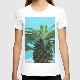 Euphorbia hypogaea(blue) T-shirt