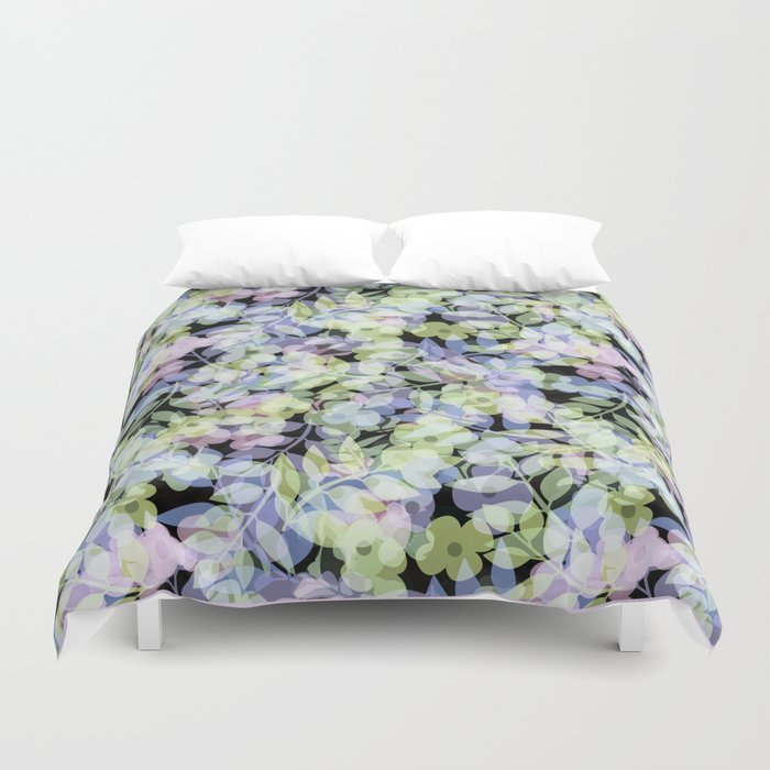 The leaf in dreams Duvet Cover