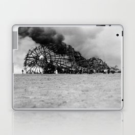 Zeppelin crash (Hindenburg) Laptop & iPad Skin