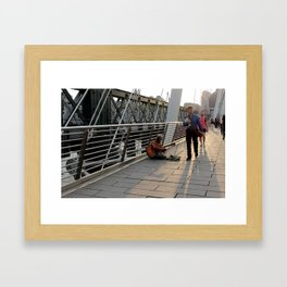 Hungerford Bridge Busker Framed Art Print