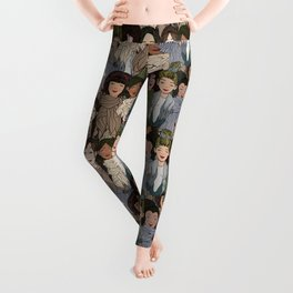 Ladies Wearing Scarves Leggings