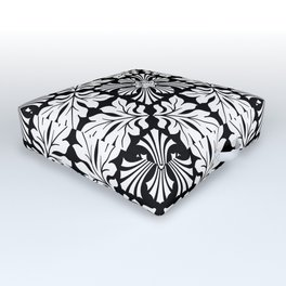 Tiger's Den / PATTERN/BLACK ORNAMENT Outdoor Floor Cushion