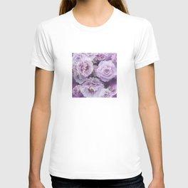 Vintage Big Purple Roses In A Botanical Flower Garden T-shirt