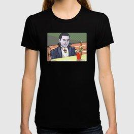 Dracula enjoying a bloody mary at Applebee's. T-shirt
