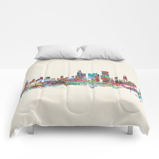 Chicago Illinois skyline Comforters