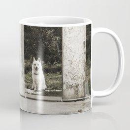 Onna happy dog Coffee Mug