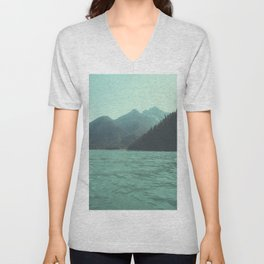 Desolation is beyond the horizon - Diablo Lake Unisex V-Neck