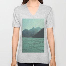 Desolation is beyond the horizon - Diablo Lake Unisex V-Neck