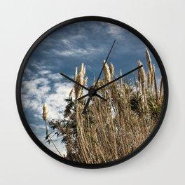 Ante el cielo Wall Clock