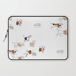 Beagles hunting Laptop Sleeve