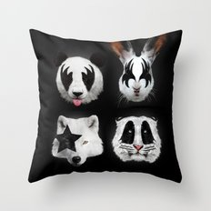 Kiss of animals Throw Pillow