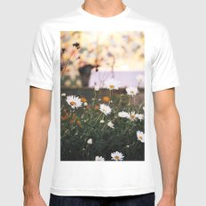 Everything's coming up daisies White MEDIUM Mens Fitted Tee