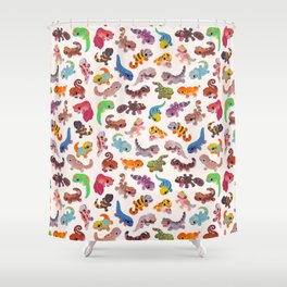 Gecko - bright Shower Curtain