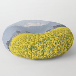 DAFFODIL FIELD AND MOUNT BAKER IN THE SKAGIT VALLEY  Floor Pillow