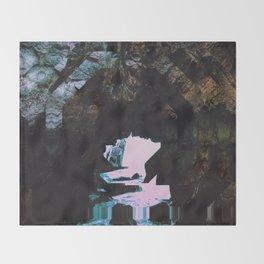 KEŸ Throw Blanket