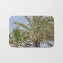 Summer vibes with the palm trees Bath Mat
