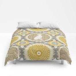 BLUE WEIMARANER & AMBER MEDALLIONS Comforters