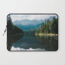 Looks like Canada II - Landscape Photography Laptop Sleeve