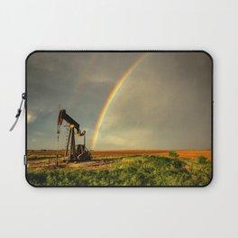Black Gold - Rainbow Ends at Pump Jack in Texas Oilfield Laptop Sleeve