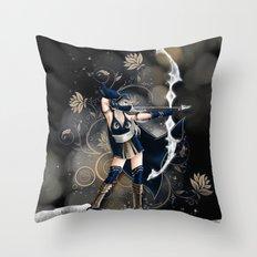 Archère Throw Pillow