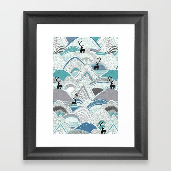 caribou mountains blue Gerahmter Kunstdruck